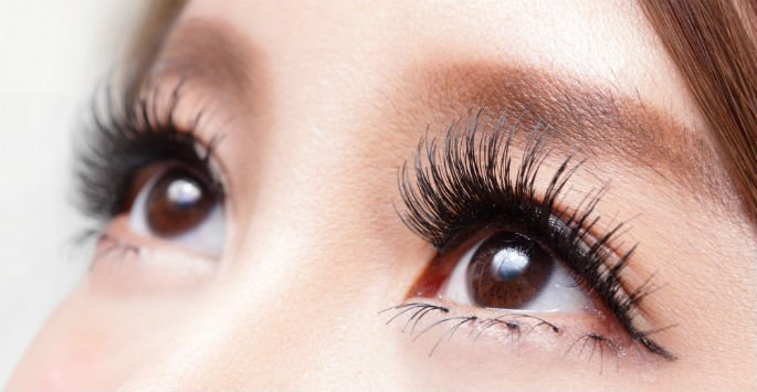 Enjoy Thick and Full Lashes with Eyelash Extensions